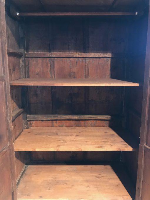 Holzschrank Antik Vanille